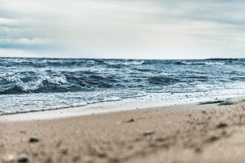beach-1868672_1920